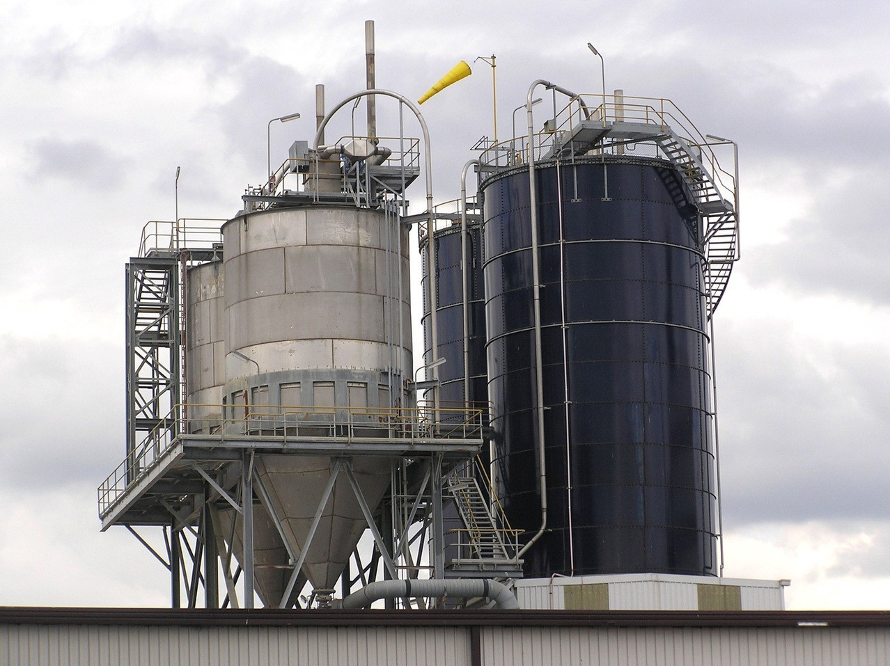Wady zastosowania biopaliw